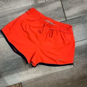 {Nike} lined running shorts